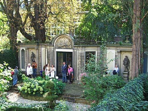 garden of museum willet holtuysen in amsterdam - Amsterdam Garden