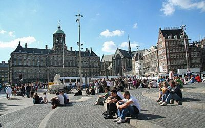 Walk around Dam Square