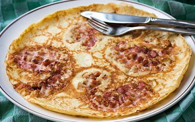 Eat pancakes during a city trip to Amsterdam