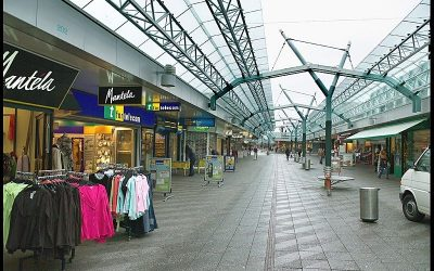 Shopping Mall Boven 't IJ Shop with Locals